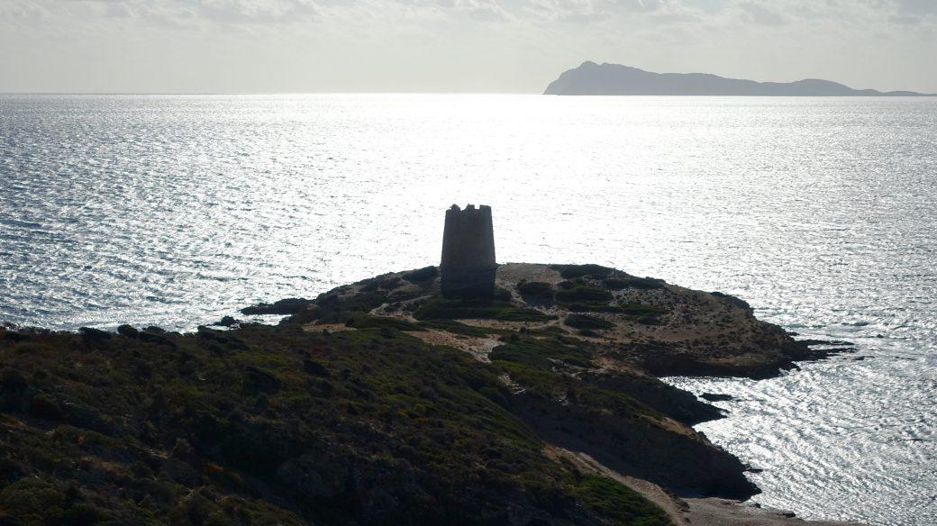 Migliaia e migliaia di cittadini per le coste della Sardegna: no ...